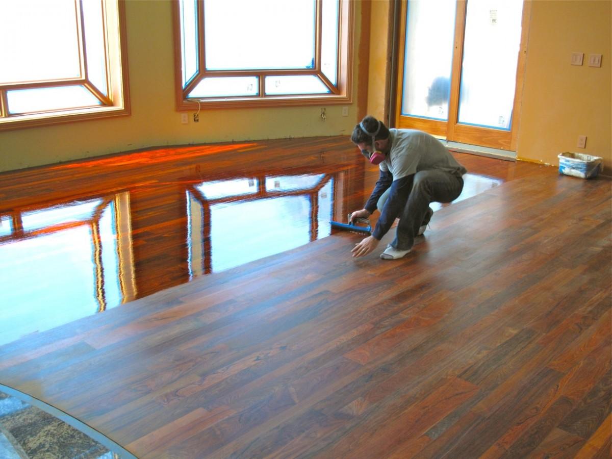Обработка деревянного пола в доме своими руками