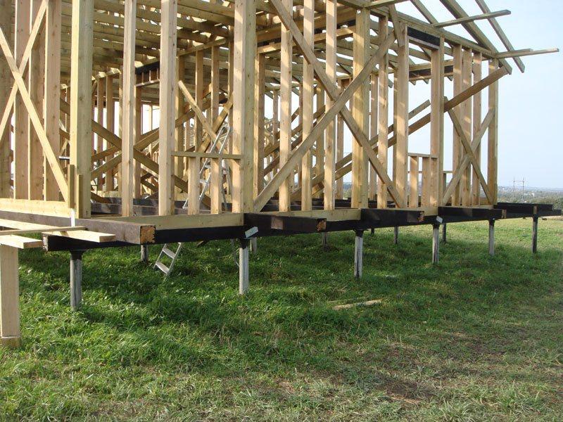 Как построить деревянный свайный дом самостоятельно
