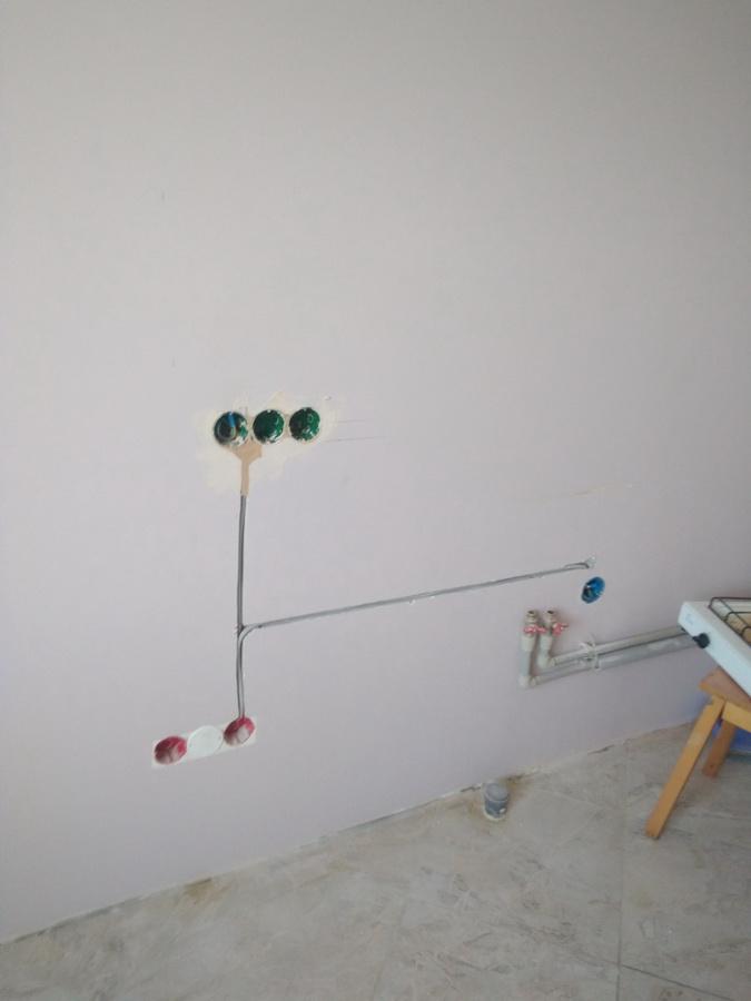 Как перенести розетку в квартире своими руками