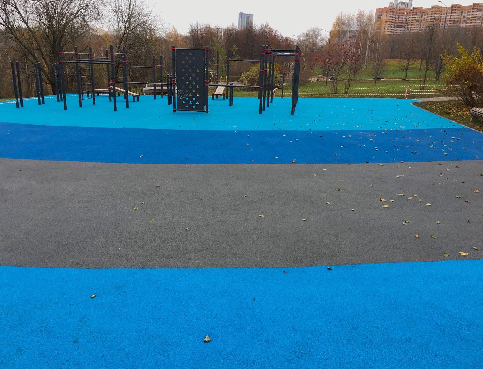 Покрытие для детских площадок из резиновой крошки и резины