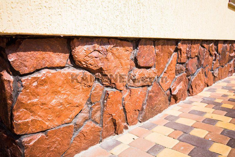 Как правильно облицевать цоколь дома природным камнем