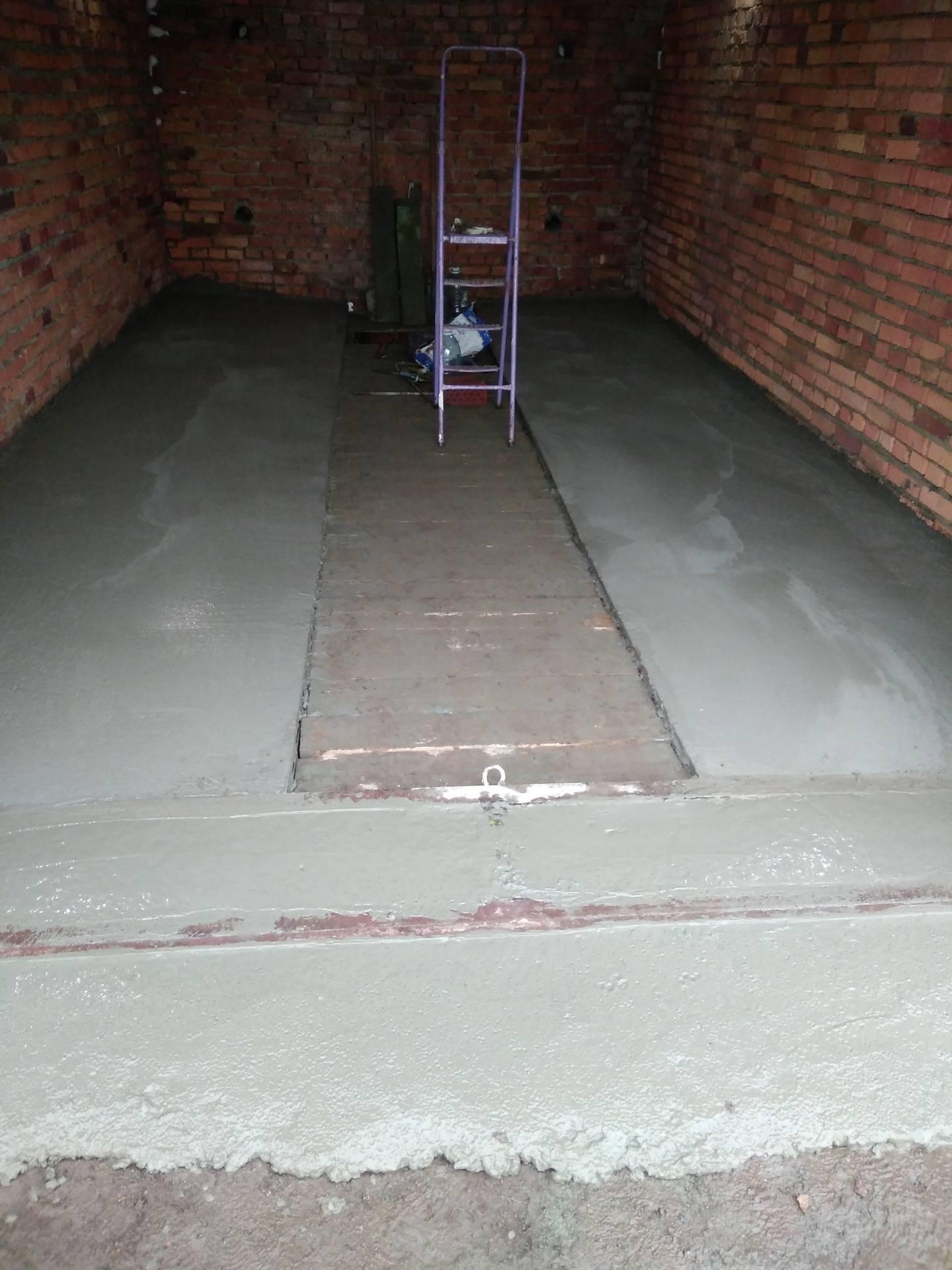 Как залить пол в гараже бетоном
