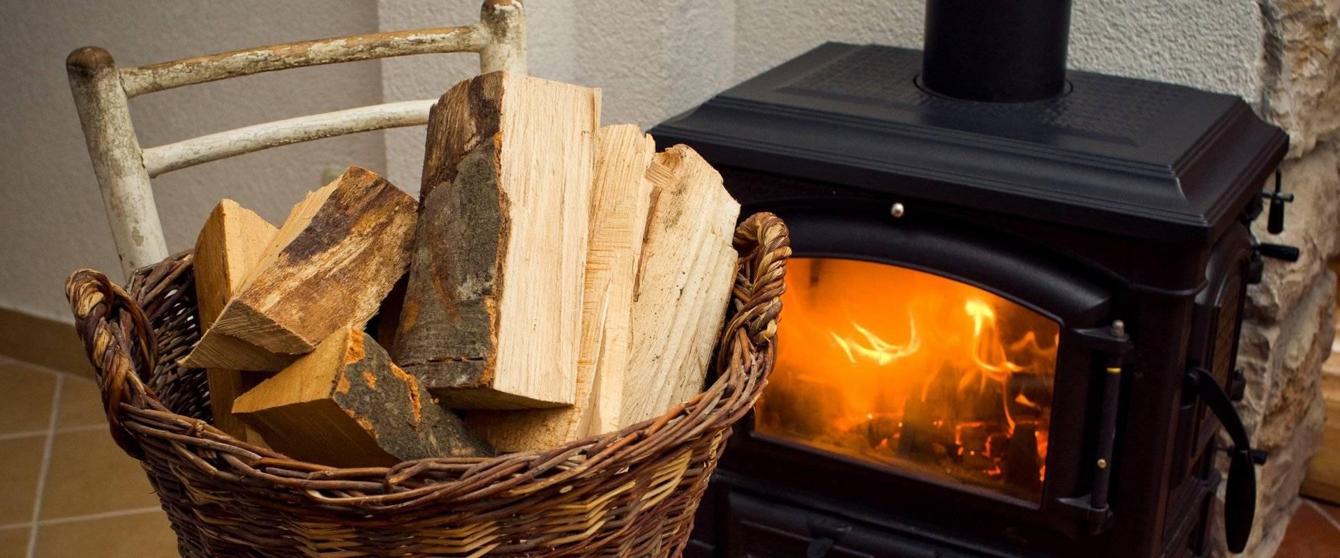 Правила и тонкости топки печей дровами в частном доме