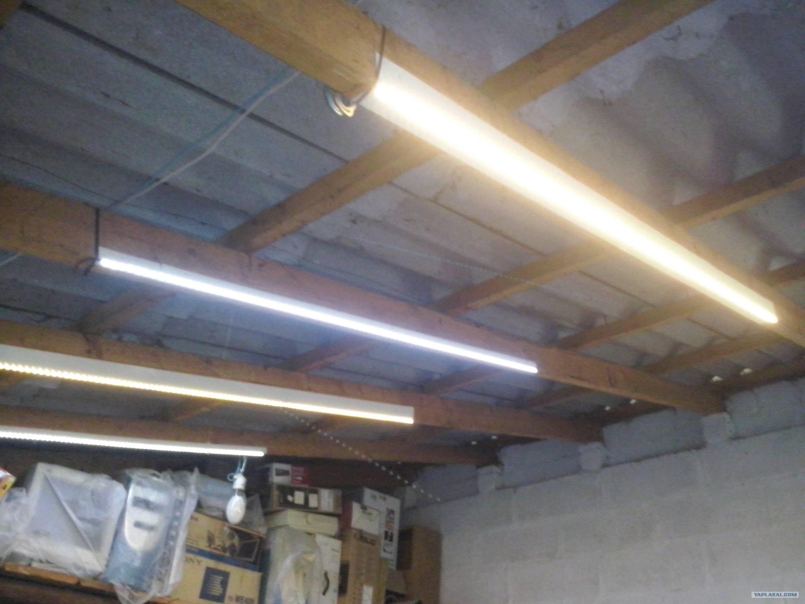 Как самостоятельно сделать свет в гараже