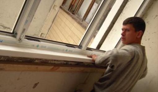 Установка подоконника на балкон своими руками
