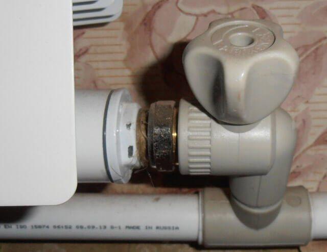 Выбор и установка клапана для батареи отопления