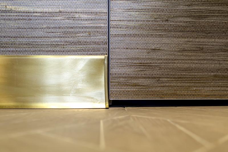 Плинтус из алюминия — виды и способы установки