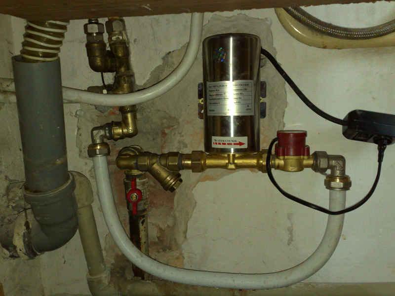 Насос для повышения давления воды на даче