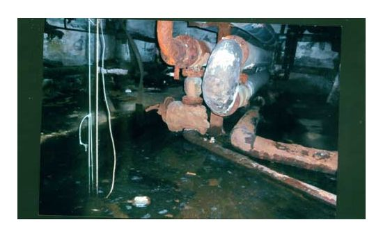 Куда звонить, если прорвало канализационную трубу