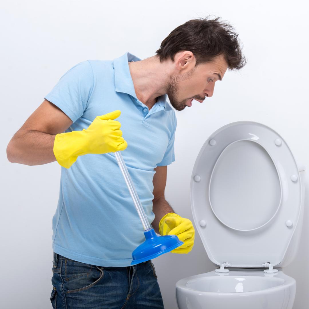 Почему появляется неприятный запах канализации в ванной