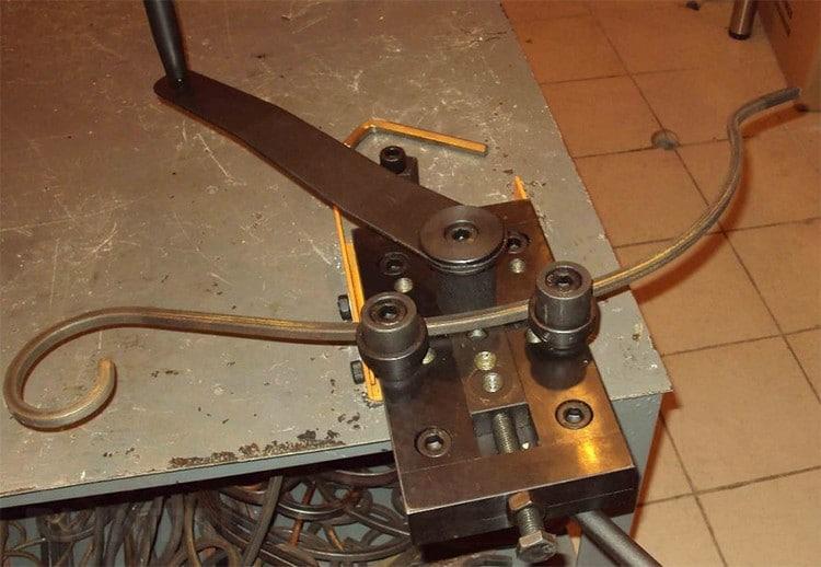 Самодельные приспособления и станки для холодной ковки