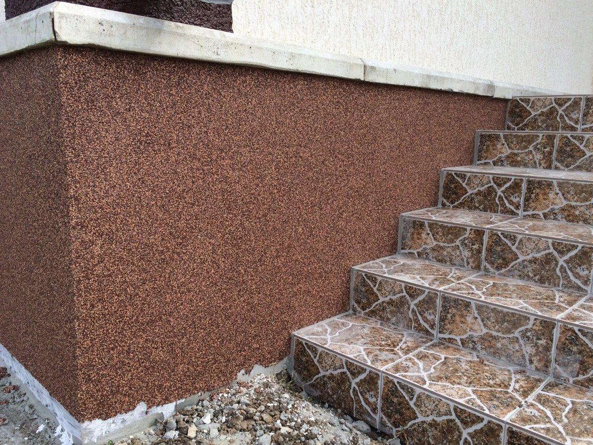 Как снаружи оштукатурить цоколь фундамента дома своими руками