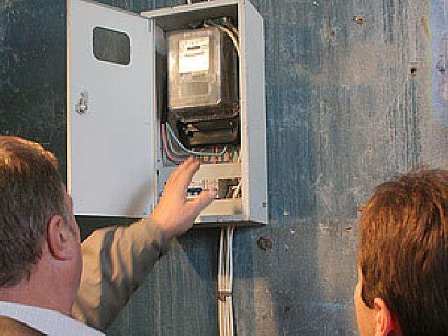 Кто должен оплачивать замену счетчика электроэнергии в квартире и доме