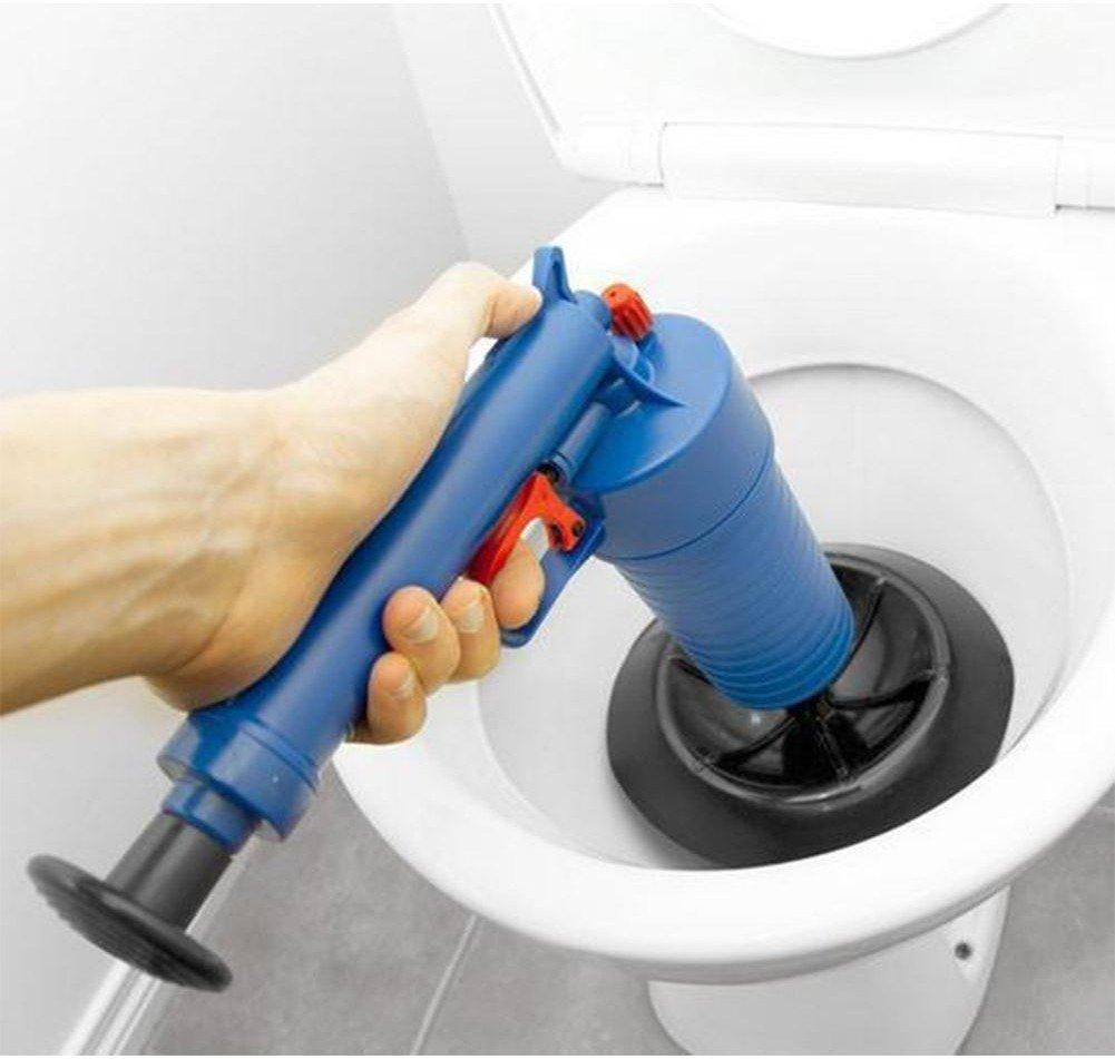 Прочистка канализационных труб с помощью вантуза и его аналогов