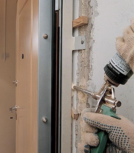 Как установить входную дверь