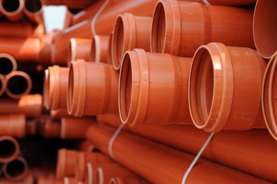 Как выбрать пластиковые трубы для канализации: ПВХ или ПВД