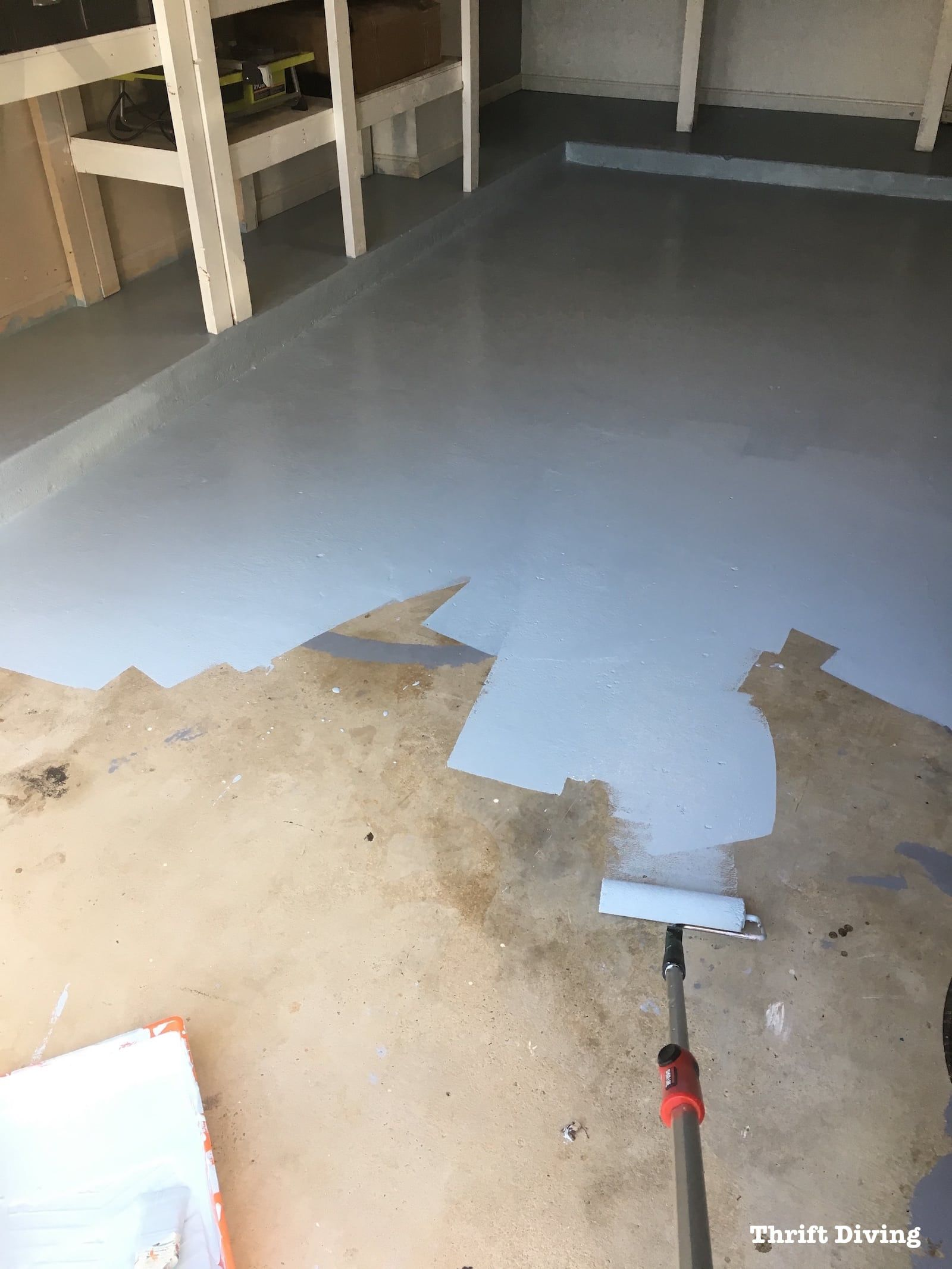Краска для бетонного пола в гараже: выбираем по параметрам, какой износостойкой краской покрасить пол