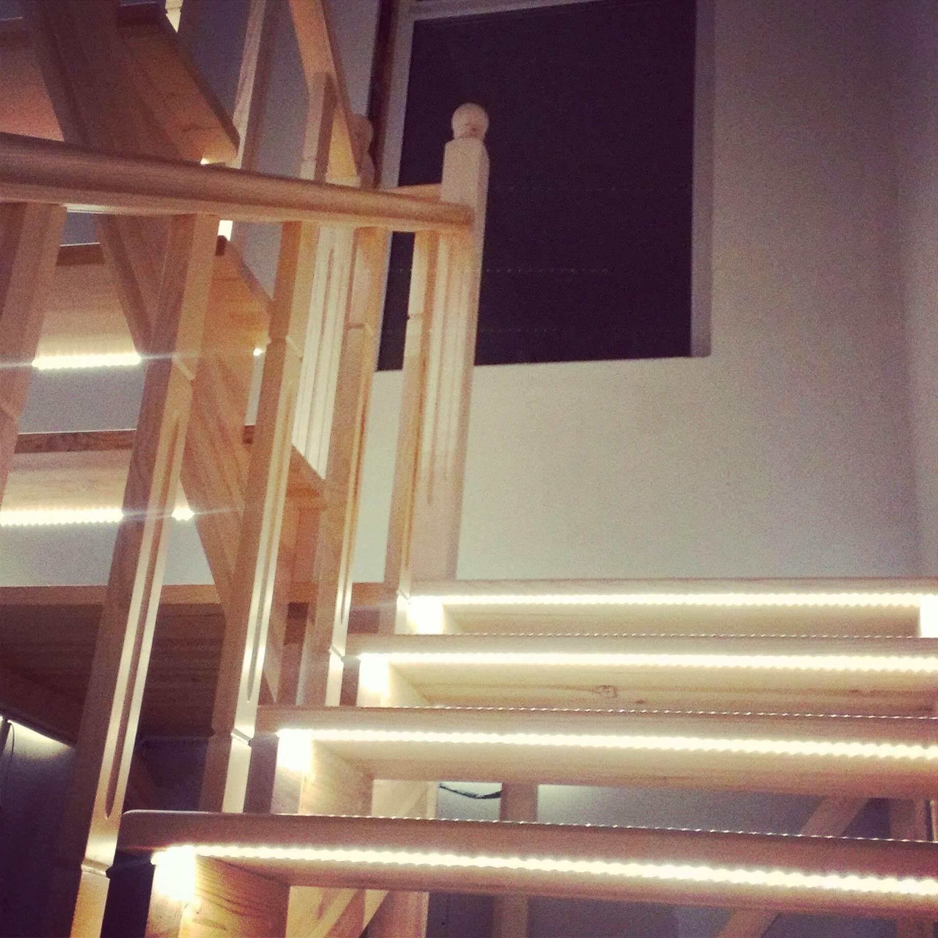 Преимущества умной подсветки лестницы с датчиками движения