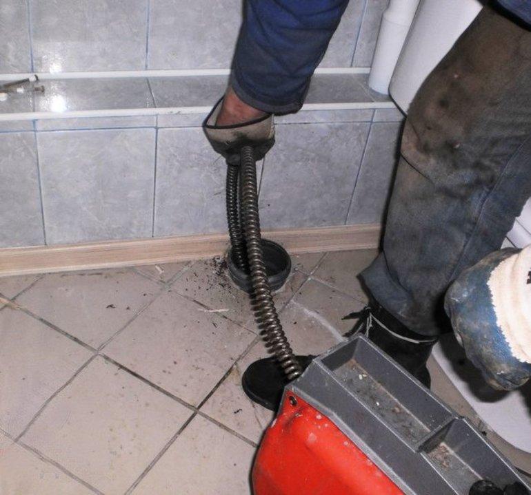 Наиболее эффективные способы очистки и профилактики труб канализации