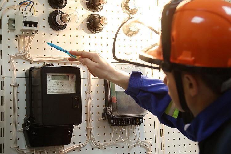 Что делать если сломался счетчик электроэнергии — куда обращаться за ремонтом