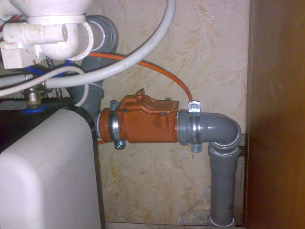 Устройство обратного клапана для канализации