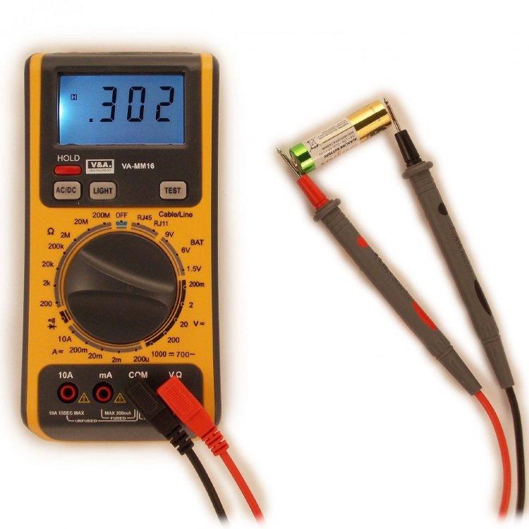 Измерение напряжения в электрической сети мультиметром