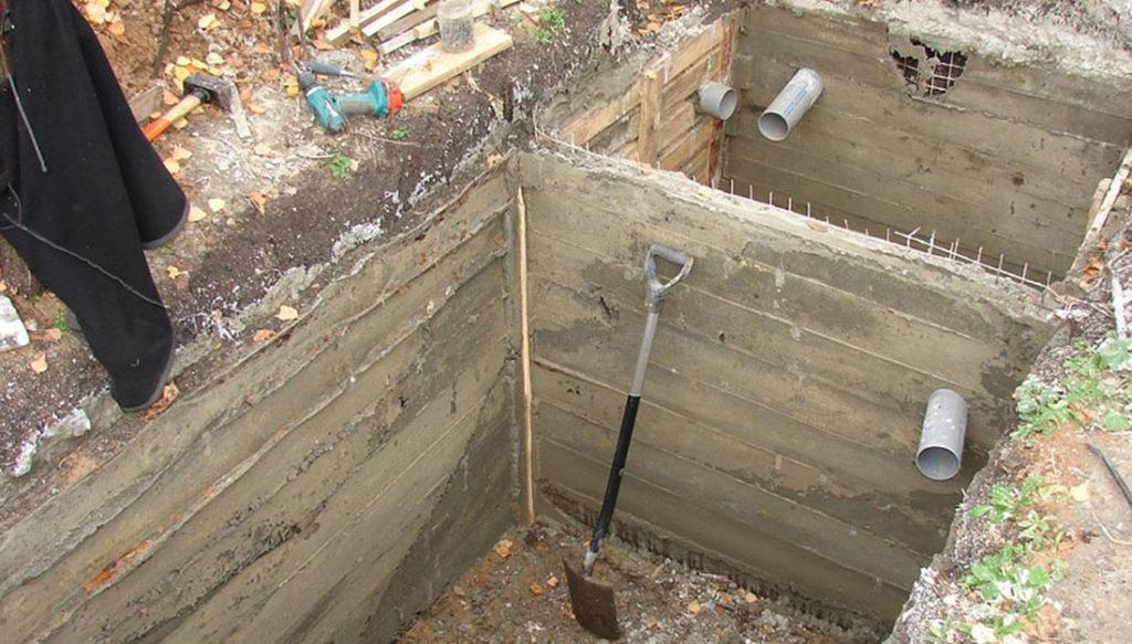 Как сделать сливную яму своими руками