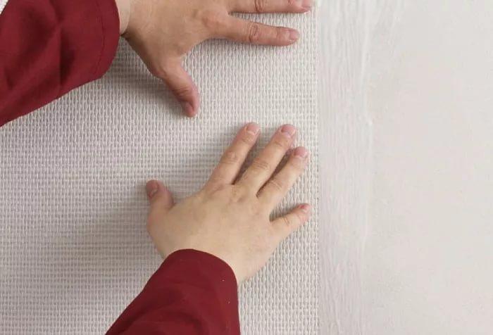 Как наклеить стекловолоконные обои