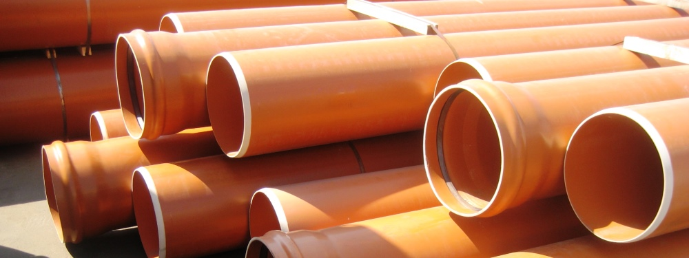 Как установить пластиковую канализационную трубу диаметром 200 мм