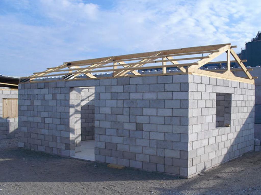 Самостоятельное строительство гаража из пеноблоков