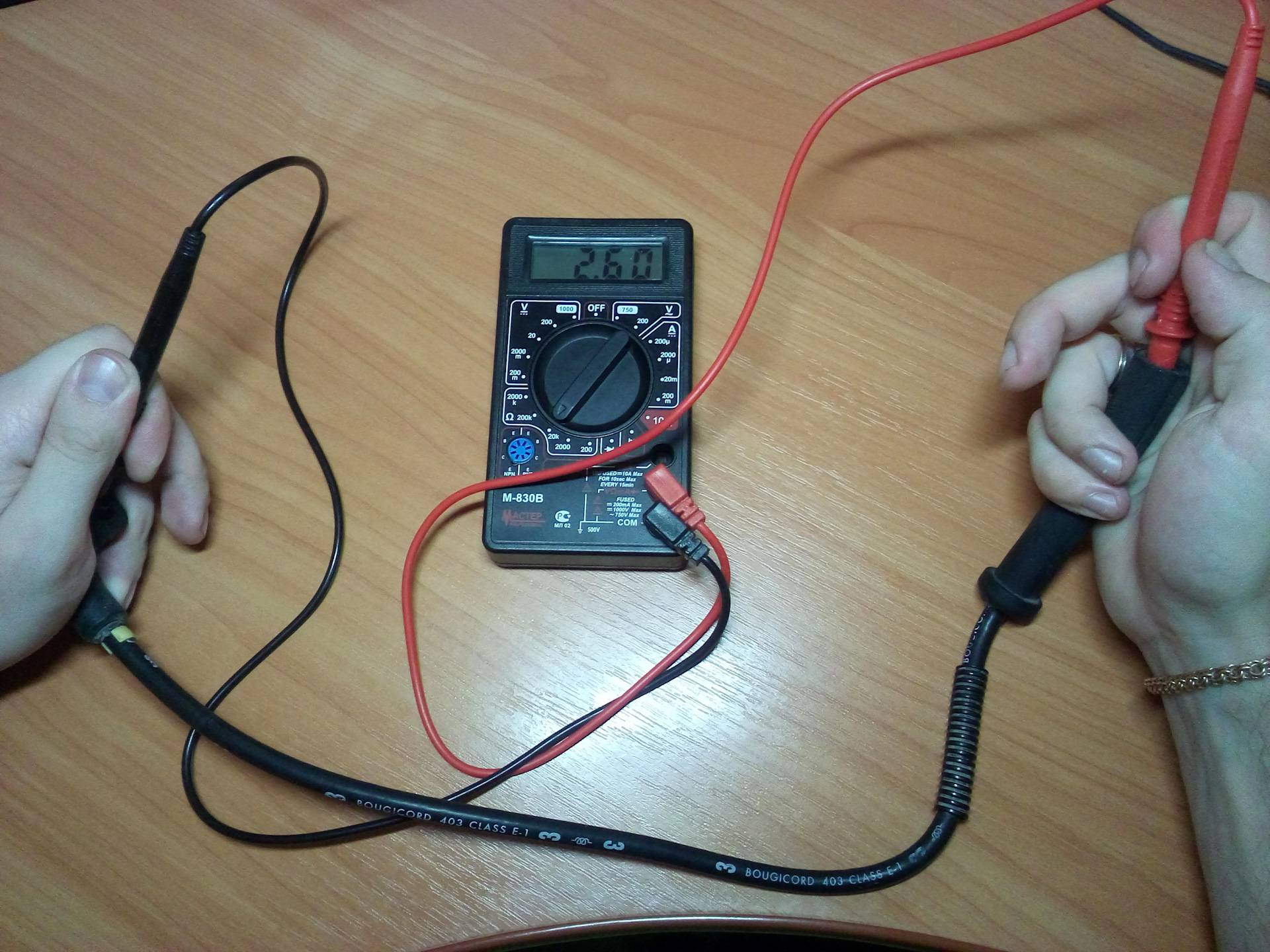 Проверка целосности провода с помощью мультиметра