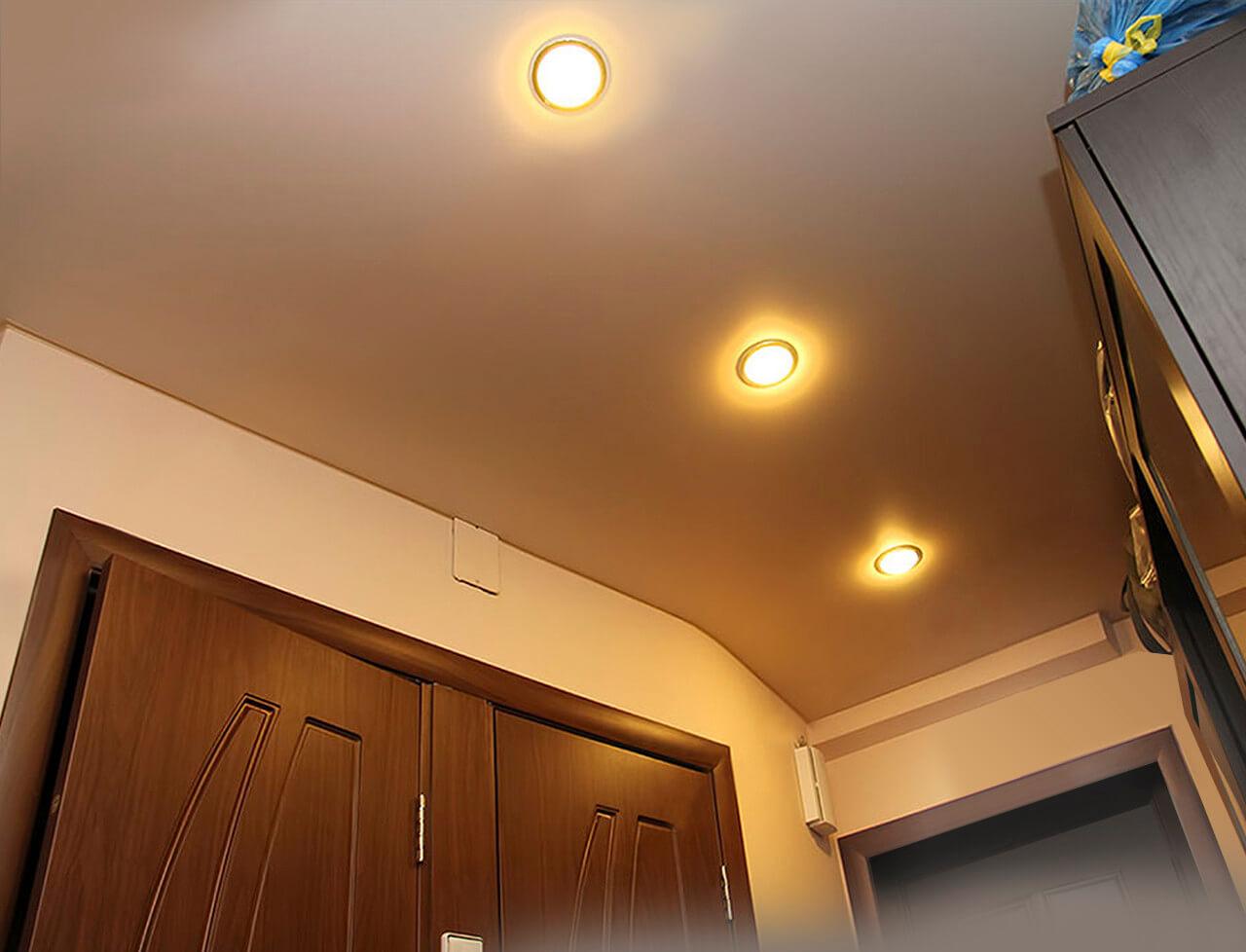 Как правильно выбрать лампы освещения для натяжного потолка