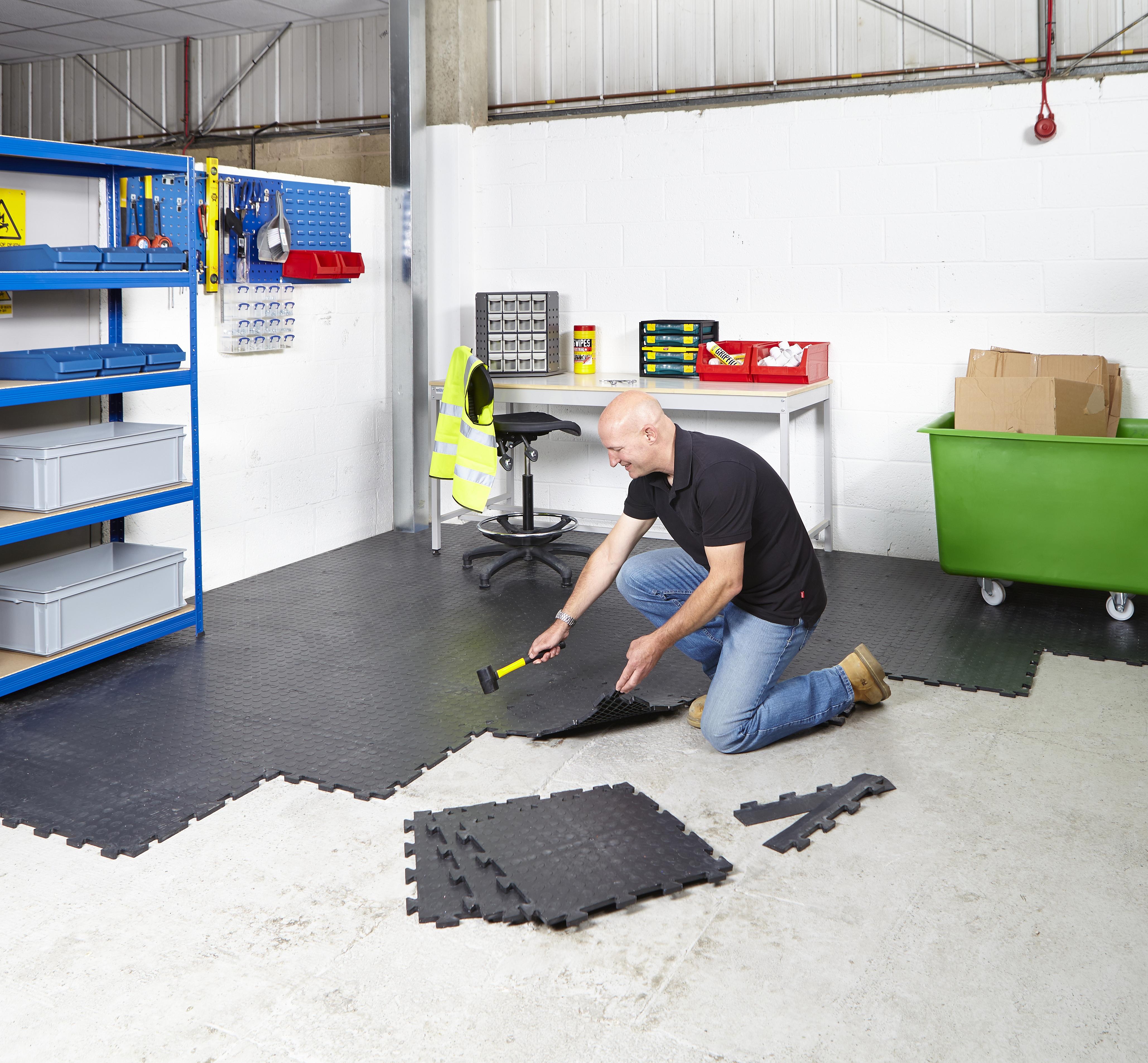Какой пол можно сделать в гараже самостоятельно