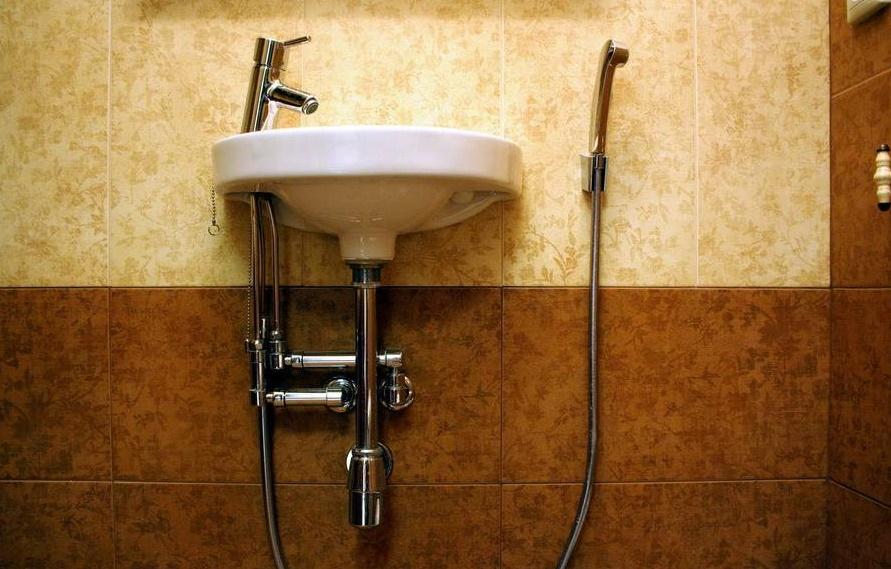 Гигиенический душ для унитаза со смесителем: как выбрать и установить