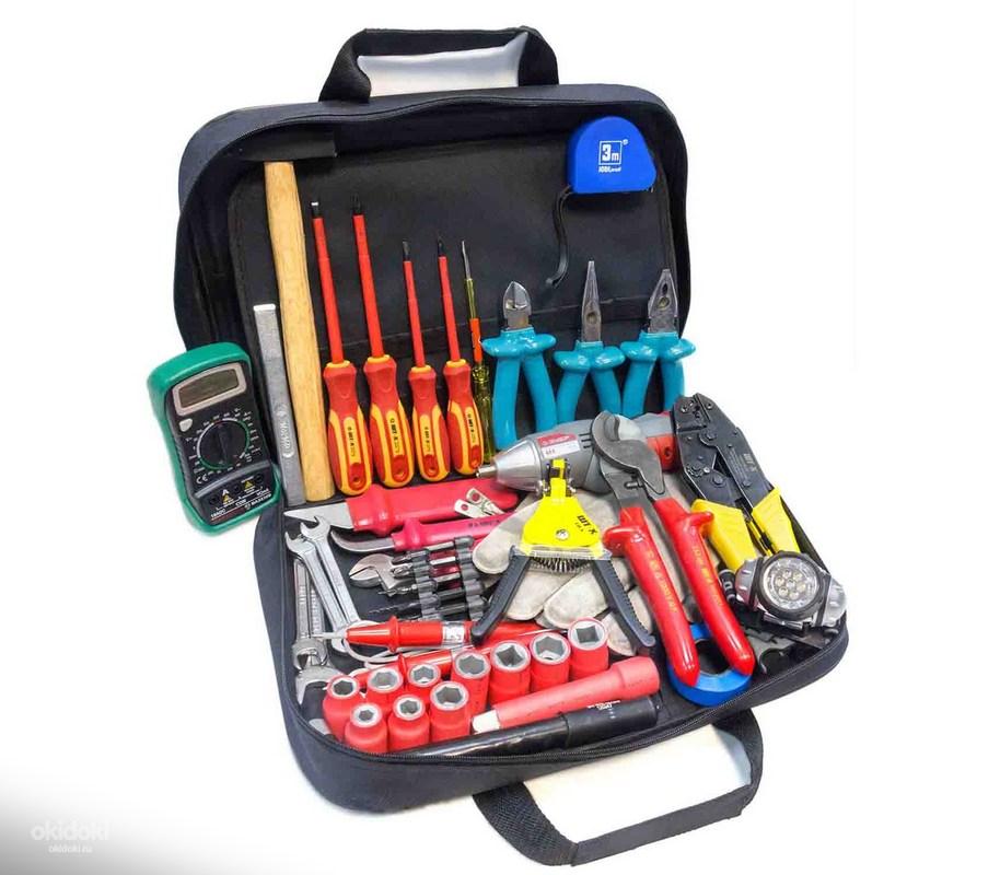 Набор инструментов для домашнего электрика