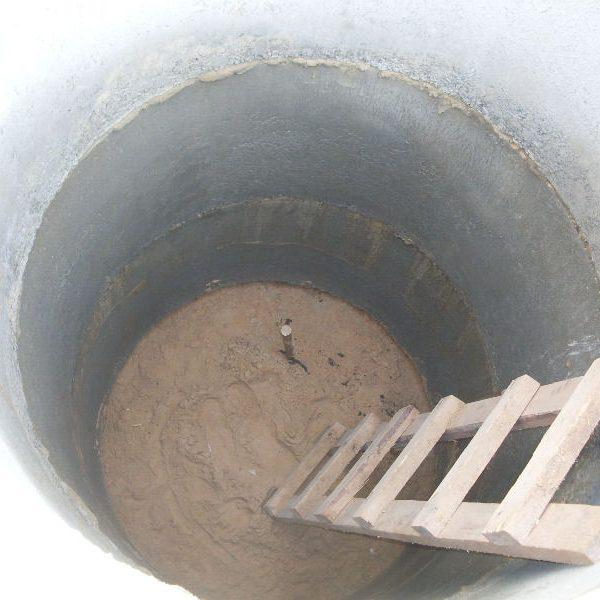 7 средств для расщепления жира в выгребной яме