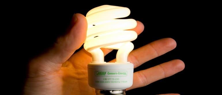 Причины моргания энергосберегающих лампочек в выключенном состоянии