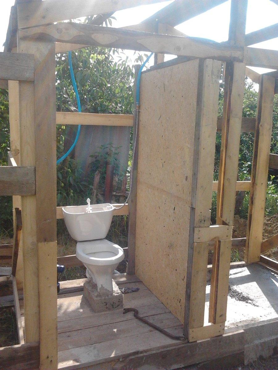 Схемы строения дачных туалетов и их строительство