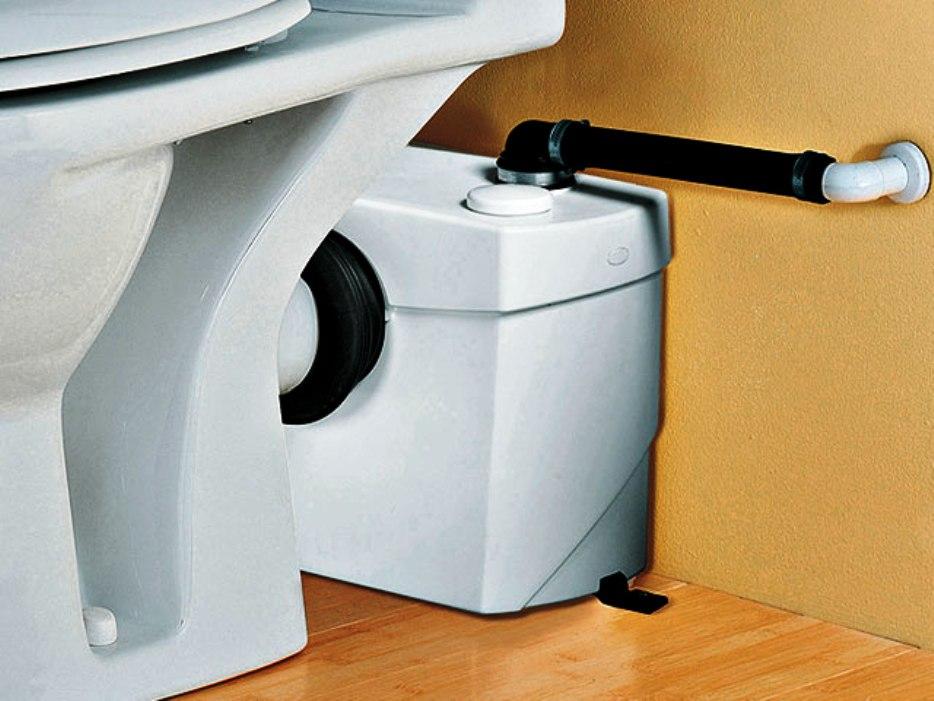 На какие характеристики обращать внимание при выборе насоса для канализации в частном доме