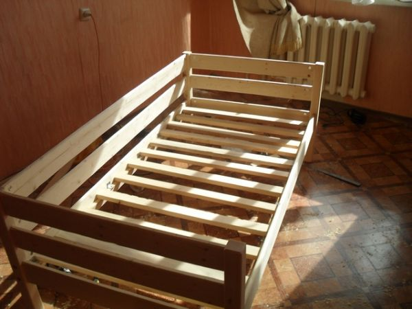 Как сделать кровать для ребенка