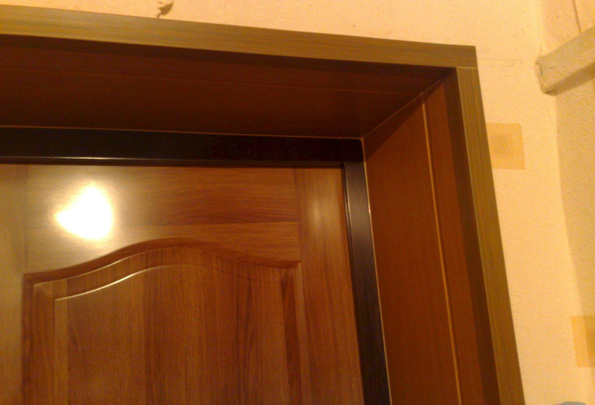 Как отделать откосы входной двери: выбираем, чем отделать откосы двери после установки