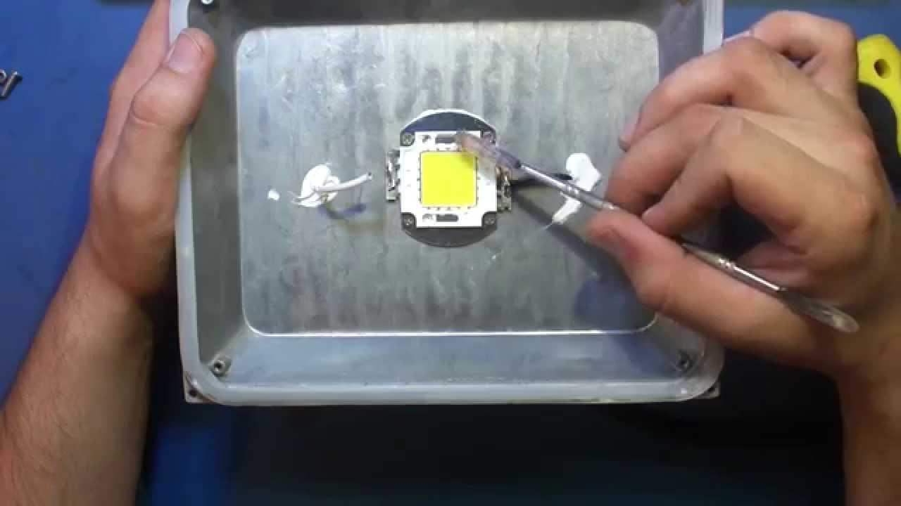 Причины моргания светодиодных прожекторов во включенном состоянии