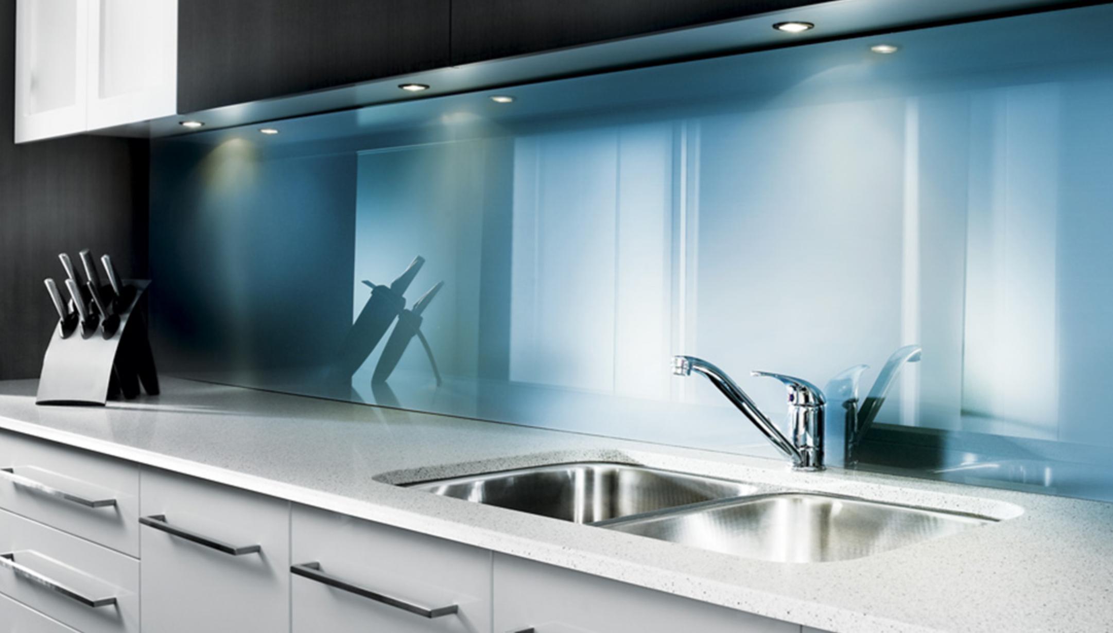 Как выбрать кухонный фартук для рабочей зоны