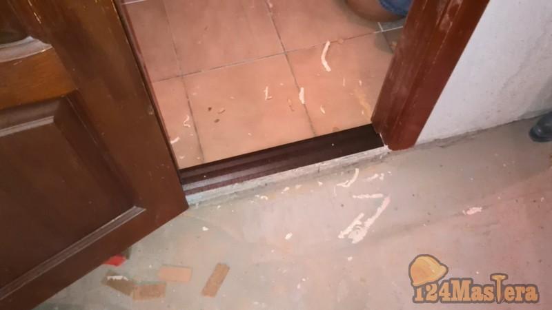 Как поставить дверь в ванной комнате своими руками