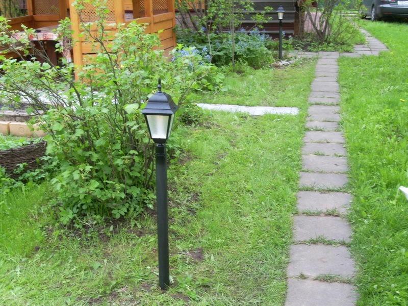Освещение участка возле дома, дачи